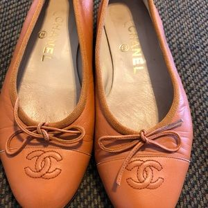 Chanel brown lamb skin leather ballet flats